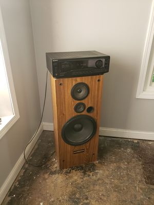 Sony Receiver and pioneer stereo speaker for Sale in Roseville, MI