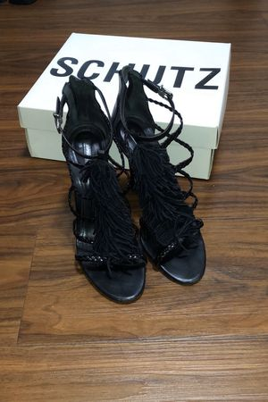 SCHUTZ size 7 strappy fringed sandal heel for Sale in Brooklyn, NY