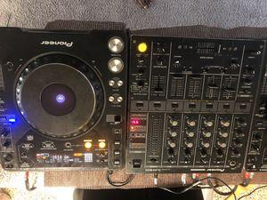 PIONEER DJM 500 & CDJ 1000 MK2 for Sale in Grand Prairie, TX