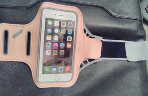 Gabba Goods G Universal Sports smart phone case. Color: Pink. for Sale in Linden, PA