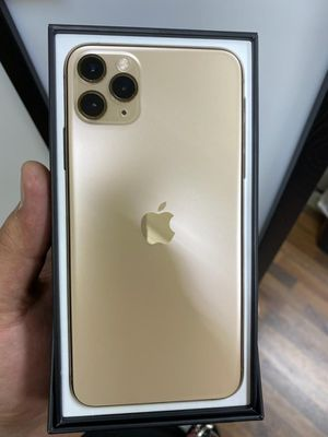 IPHONE 11 PRO MAX 256GB LIKE NEW AT&T OR CRICKET for Sale in Garland, TX