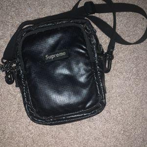 Supreme Messenger Bag for Sale in Romeoville, IL