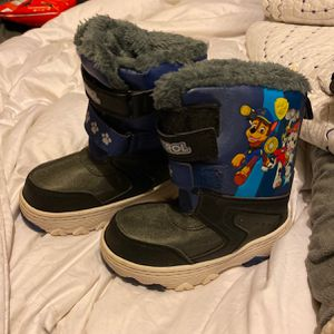 Paw Patrol Snow Boots Size 9/10 (L) Little Kids Size for Sale in South Milwaukee, WI