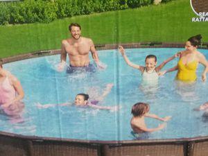 New 18 foot bestway swimming pool for Sale in Houston, TX