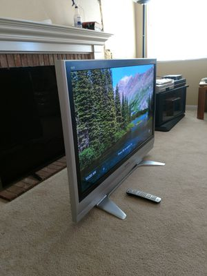 Panasonic 50 inch plasma tv with base, wall mount and Samsung sound bar with woffer. for Sale in Rancho Santa Margarita, CA