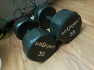 35 lbs dumbbells *set* for Sale in Lincoln Acres, CA