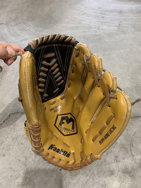 Franklin Baseball Mitt / Gloves