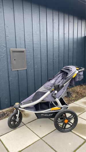 Burley Solstice Jogger w/ car seat adapter for Sale in Seattle, WA