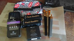 Premium Makeup accessory Kit Brand New with Makeup Accesory Bag for Sale in Palm Harbor, FL