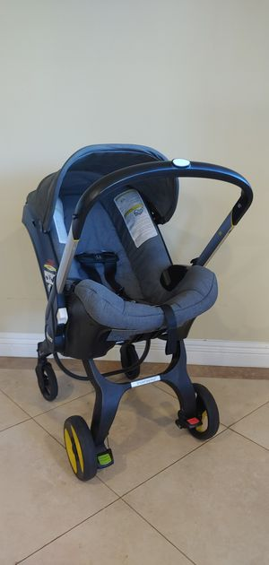 Doona car seat stroller retail $650. Best baby product I owned for Sale in Los Angeles, CA