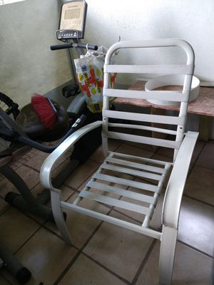 Pool chair. for Sale in Orlando, FL