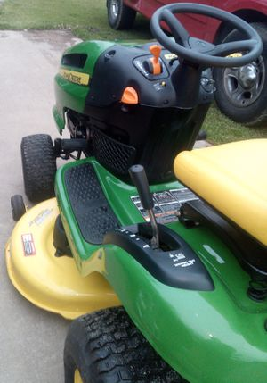 "John Deere LA110 with 19.5 Horsepower engine and 42"" Cutting Deck Like NEW Condition for Sale in Lawrenceville, GA"