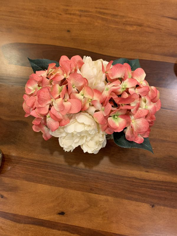 Decorative flowers & vase (peonies)