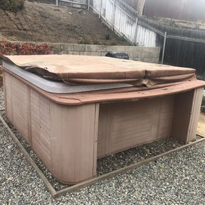 Hot Tub for Sale in Grand Terrace, CA