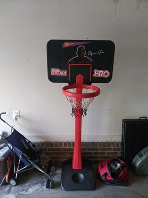 Ohio arts MJ basketball hoop for Sale in Sanford, NC