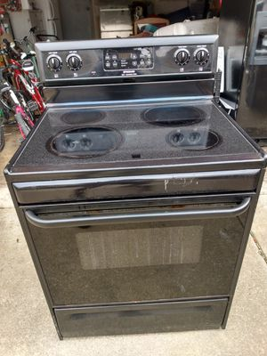 Frigidaire Electric Oven & Dishwasher for Sale in Canal Winchester, OH
