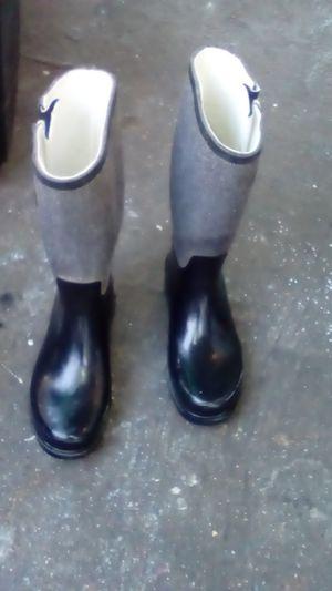 Rain boots size 8 for Sale in Glendora, CA