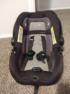 Car seat & Base for Sale in Phoenix, AZ