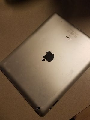 iPad with macbook pro and wireless speakers for Sale in Salt Lake City, UT
