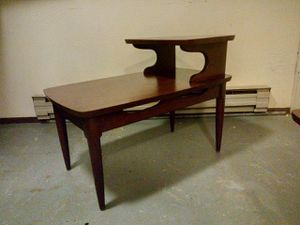 Mid Century End Table. for Sale in Monroe, WA
