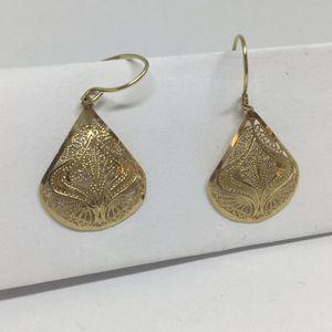 14k Yellow Gold Dangle Earrings for Sale in Pomona, CA