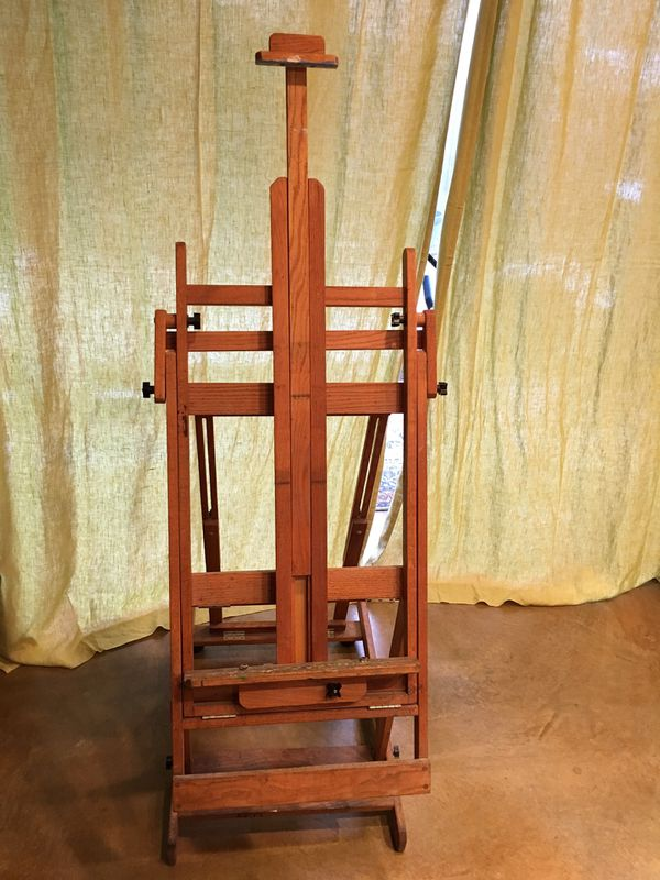Wooden Adjustable Artist's Easel with 2 Casters
