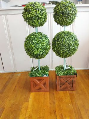 Topiary, small trees, artificial tree with Led lights for Sale in Los Angeles, CA
