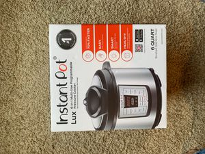 Instant Pot (brand new in box) for Sale in Steilacoom, WA