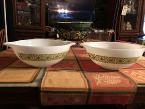 Two vintage square flower Pyrex bowls 4 QT mixing for Sale in Stockton, CA