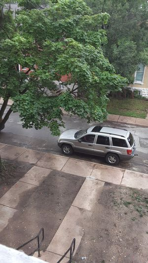 Jeep grand Cherokee laredo for Sale in St. Louis, MO