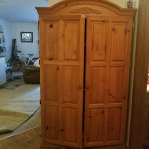 AAMORE SOLID OAK WOOD for Sale in Albuquerque, NM