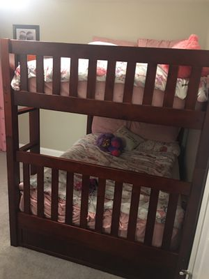 Mission bunk bed full/full with 3 drawers for Sale in Townsend, MA