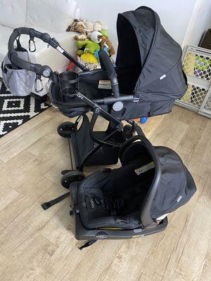 Urbini 3-1 stroller with car seat for Sale in Boca Raton, FL