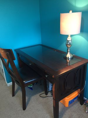 Office table with glass top! for Sale in Chelan, WA