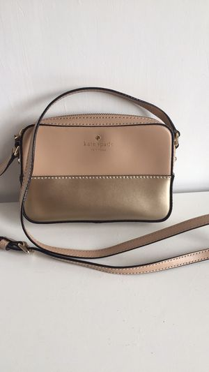 Kate Spade crossbody for Sale in Townsend, MA