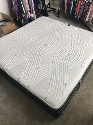 Beautyrest Black Luxury Hybrid Mattress for Sale in Bend, OR