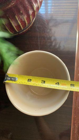 Creme/Khaki Plant Pot $5 for Sale in Dallas, TX