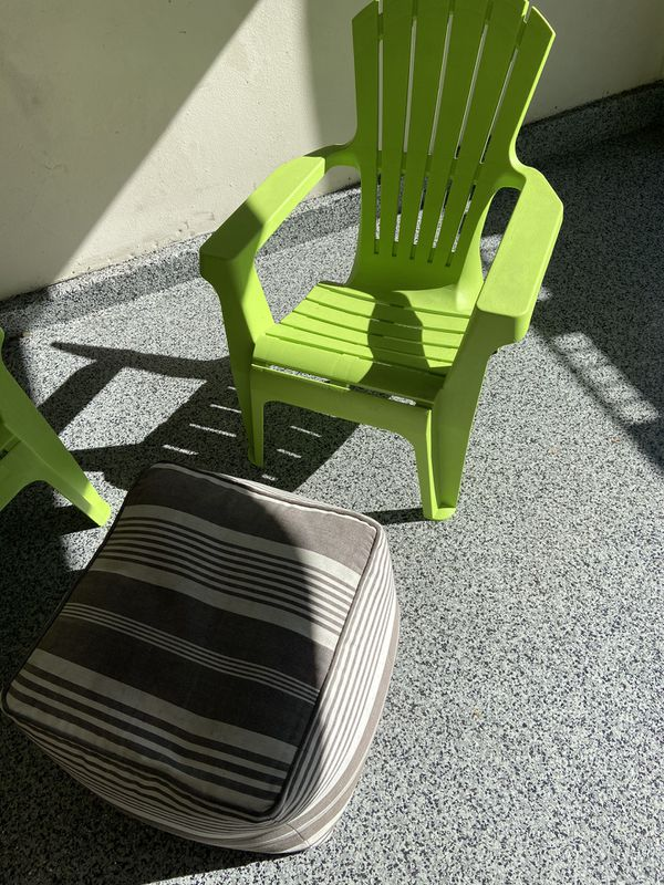 3 Outdoor Chairs With 2 Ottomans