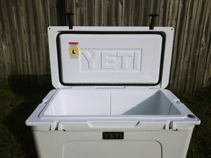 Yeti cooler for Sale in Tarpon Springs, FL