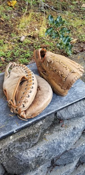 Youth Baseball Gloves for Sale in Kent, WA