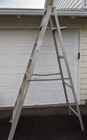 Ladder 8 ft, 225lb acceptable weight. for Sale in Kirkland, WA