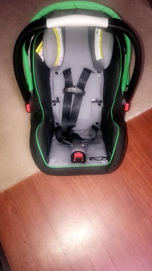 Graco snugride car seat 40 w/base for Sale in Houston, TX