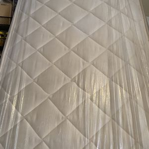 Crib Mattress Good Condition for Sale in Signal Hill, CA