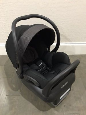 Maxi-Cosi car seat for Sale in Pasco, WA