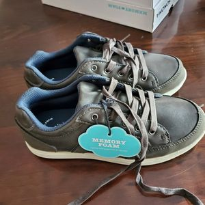 Sonoma Size 3 Boys Shoes New for Sale in Round Lake, IL