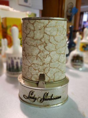 Vintage Lady Sun Beam Electric Razor for Sale in Seaford, DE