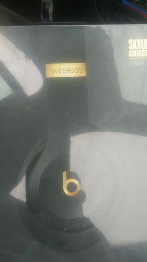 Beats studio 3 wireless skyline collection for Sale in Stockton, CA