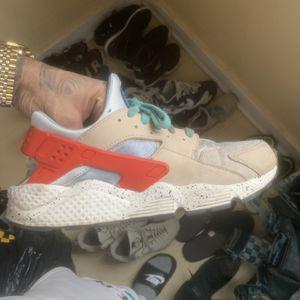 Exclusive Herachi Sneaker for Sale in Waterbury, CT