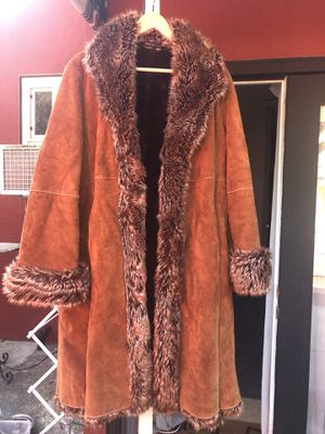 Heavy, quality leather coat - like new for Sale in Lafayette, CA