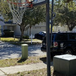 FREE basketball Hoop for Sale in Tampa, FL
